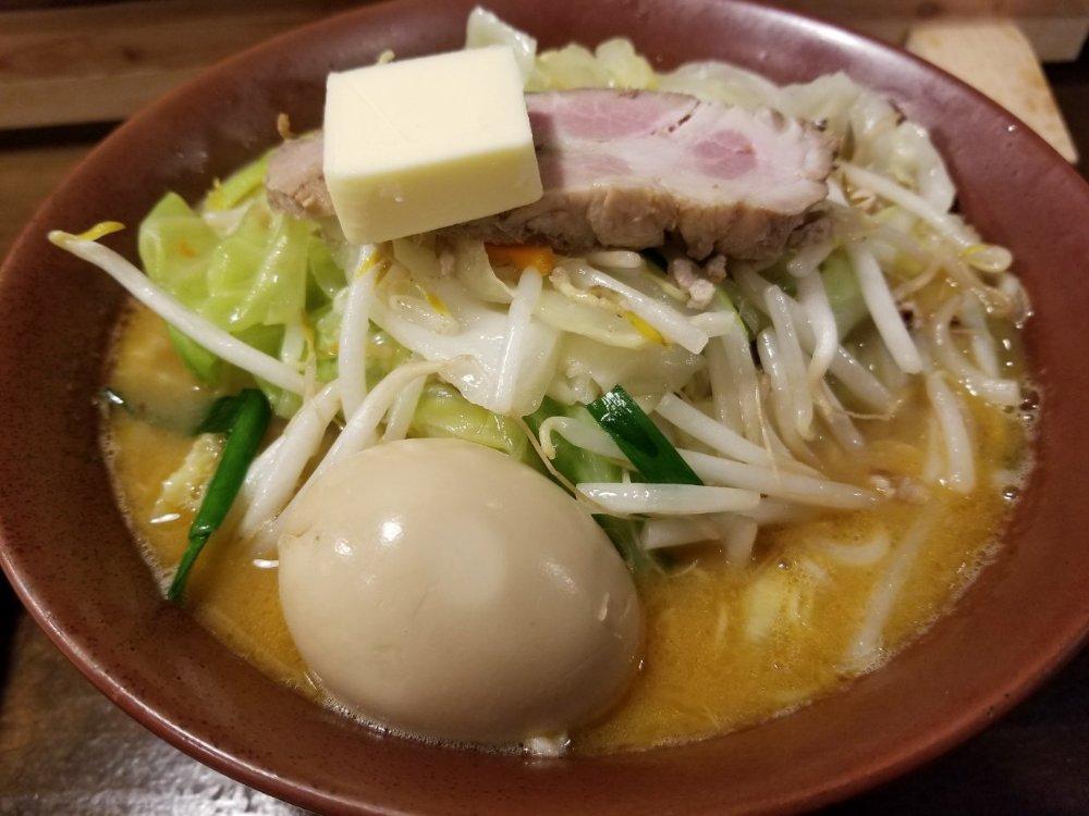 ボリューム感たっぷり!横浜、本牧山手にある『酔亭(yoitei)』の味噌ラーメン&水餃子がとっても美味しい!
